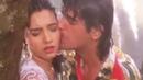 Chunky Pandey Somy Ali Love in Rain Kumar Sanu Teesra Kaun Romantic Song