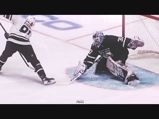 Steven Stamkos goes through his legs for jaw-dropping goal