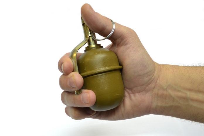 В Марий Эл неизвестный кинул гранату в кафе