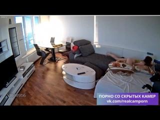 Скрытая камера   Жена смотрит порно и мастурбирует одна пока муж на работе