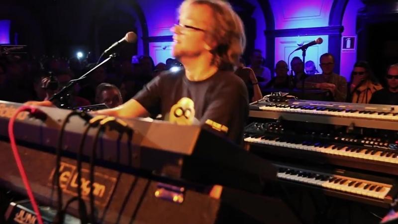 Giorgio Moroder - Chase (live by Kebu @ Sthlm Italo Disco Party 2015)