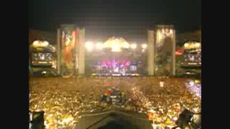 Queen Axl Rose - We Will Rock You