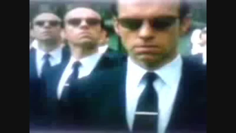 Matrix et l' agent Smith . Quand un Men in Black joue le rôle du diable dans la matrice