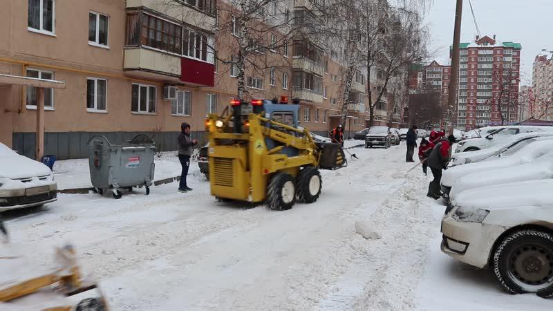 Комплексная очистка от снега дворовой территории по ул. Софьи Перовской,23