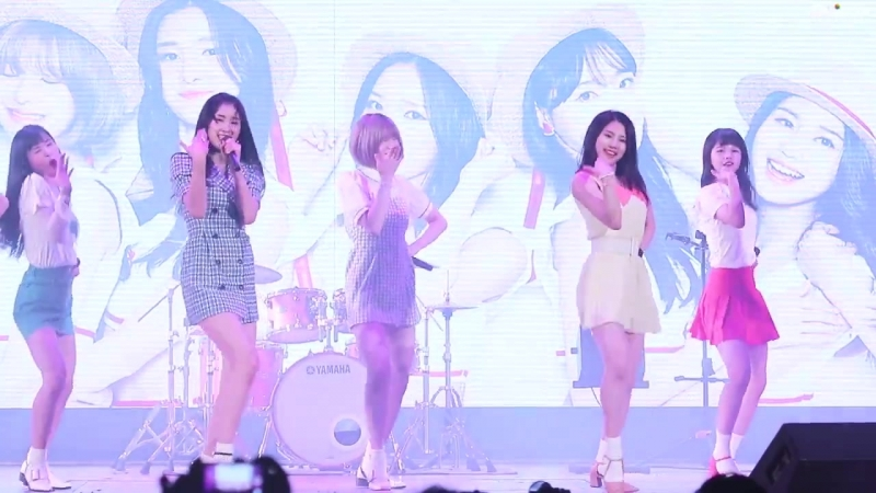 [FANCAM] 180802 NATURE — Allegro Cantabile @ Lotte World Special Summer Party