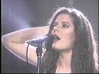 Edie Brickell & New Bohemians - Arsenio Hall 1988 What I Am