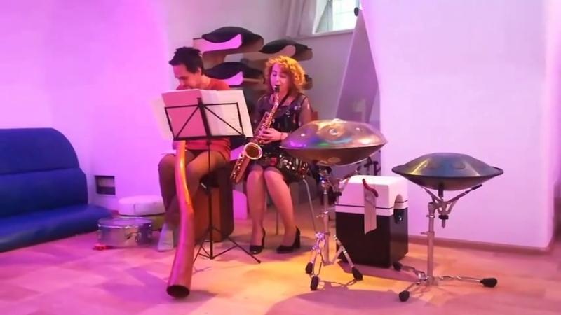 Saxophone and Didgeridoo. Eastern. Viktoria Vear and Ladomir Trunov