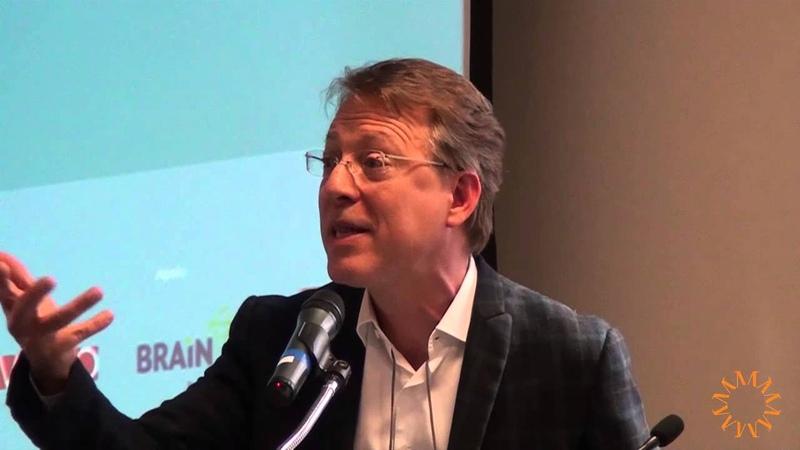 Governo brasileiro gasta mais com inovação do que Inglaterra e Japão - Marcos Lisboa