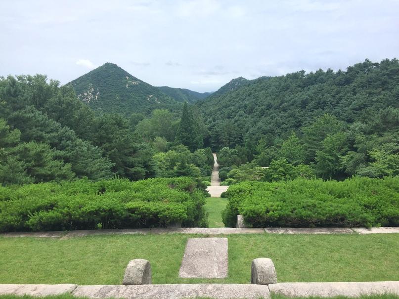 Отчет о путешествии в Северную Корею 2018. Гора слева — Oh my Mountain