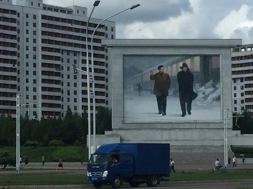 Отчет о путешествии в Северную Корею 2018. Изображения Вождей