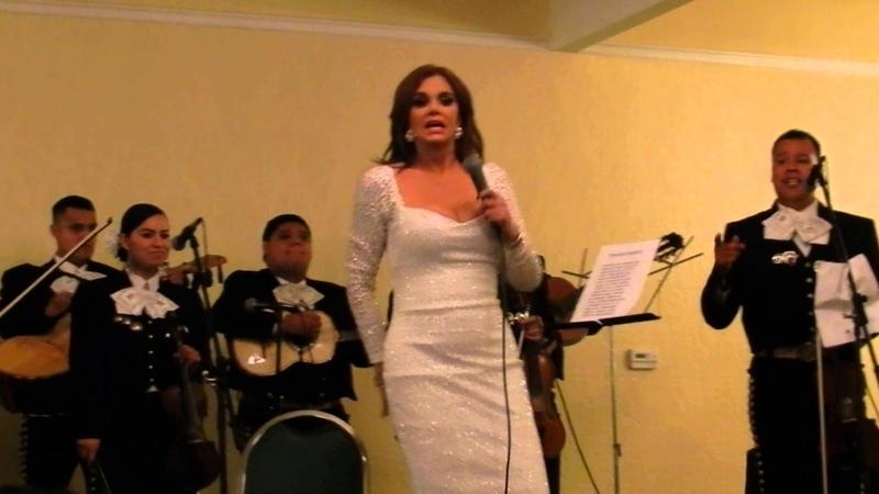 Lucía Méndez Popurri ranchero Evento Armand Dupree