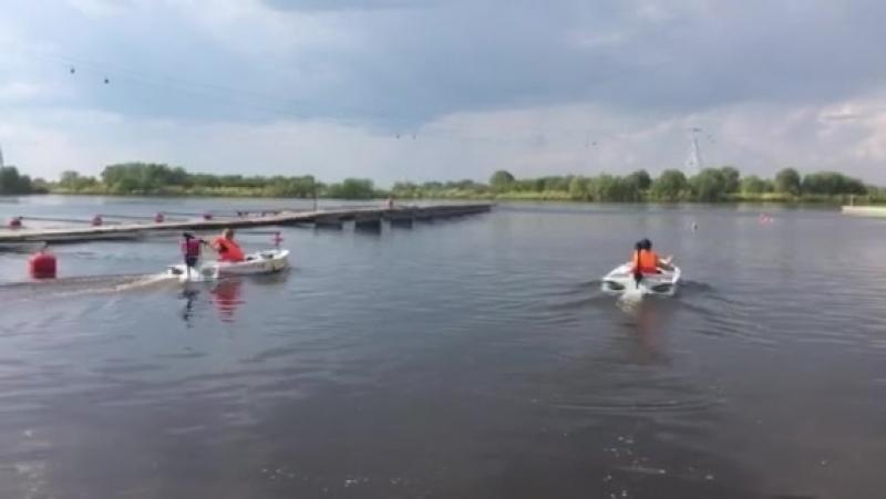 Продолжаем ходовые испытания и подготовку к соревнованиям двух лодок на солнечных батареях