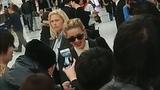 Amber Heard signing autographs at Narita airport(Japan)!!