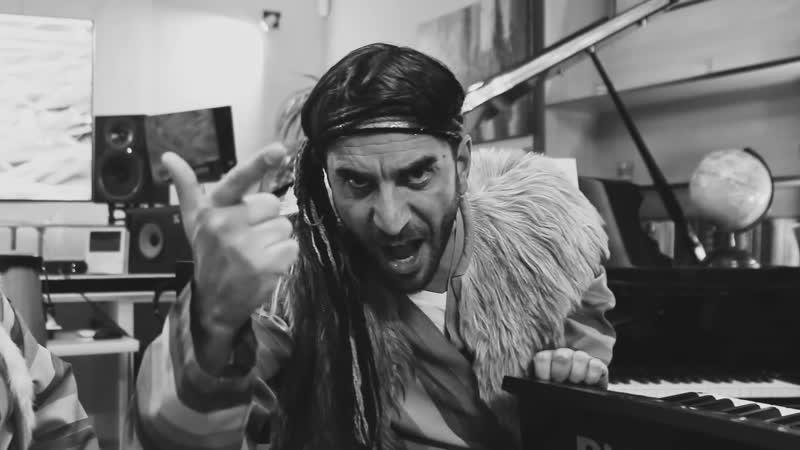 Պստիկ դեպուտատներ նիստի գացին տոտիկ-տոտիկ. նոր երգ Ռաֆոյից / tRaffik - ԽՈՐՈՏԻԿ (youtube/Deputati Show)