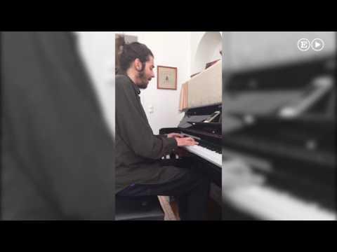 Salvador Sobral de Portugal interpreta una versión flamenca de 'Amar pelos dois' Eurovisión