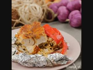 Запеченная курица с рисом.Приятного аппетита.