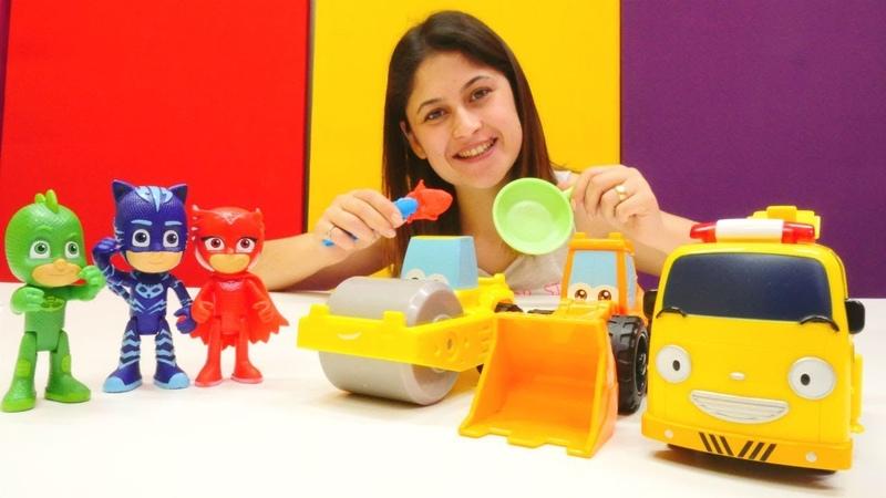 Ayşe PJ Maskelilere ve inşaat arabalarına yemek yapıyor!