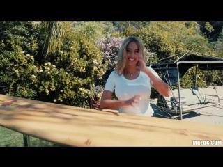 Athena Palomino – Athena's Risque Photoshoot [Mofos, Big Ass Big Tits Blonde POV]