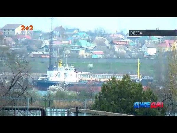 Одеський моряк, якому не виплатили борги, на знак протесту забарикадувався на судні