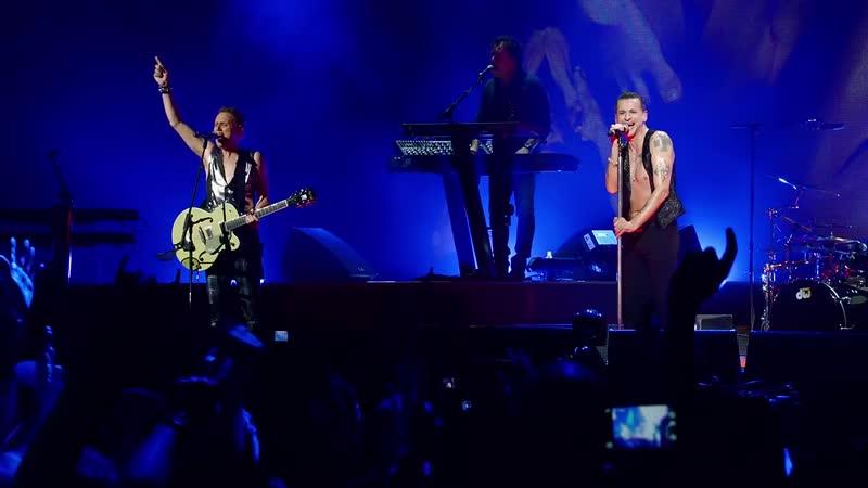 Depeche Mode - Enjoy The Silence (Live In Berlin June 2013)