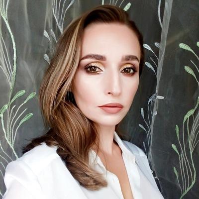Аня Закирова