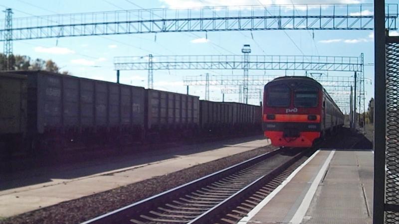 Электропоезд ЭД9М-0056. Отправление от Укладочного.