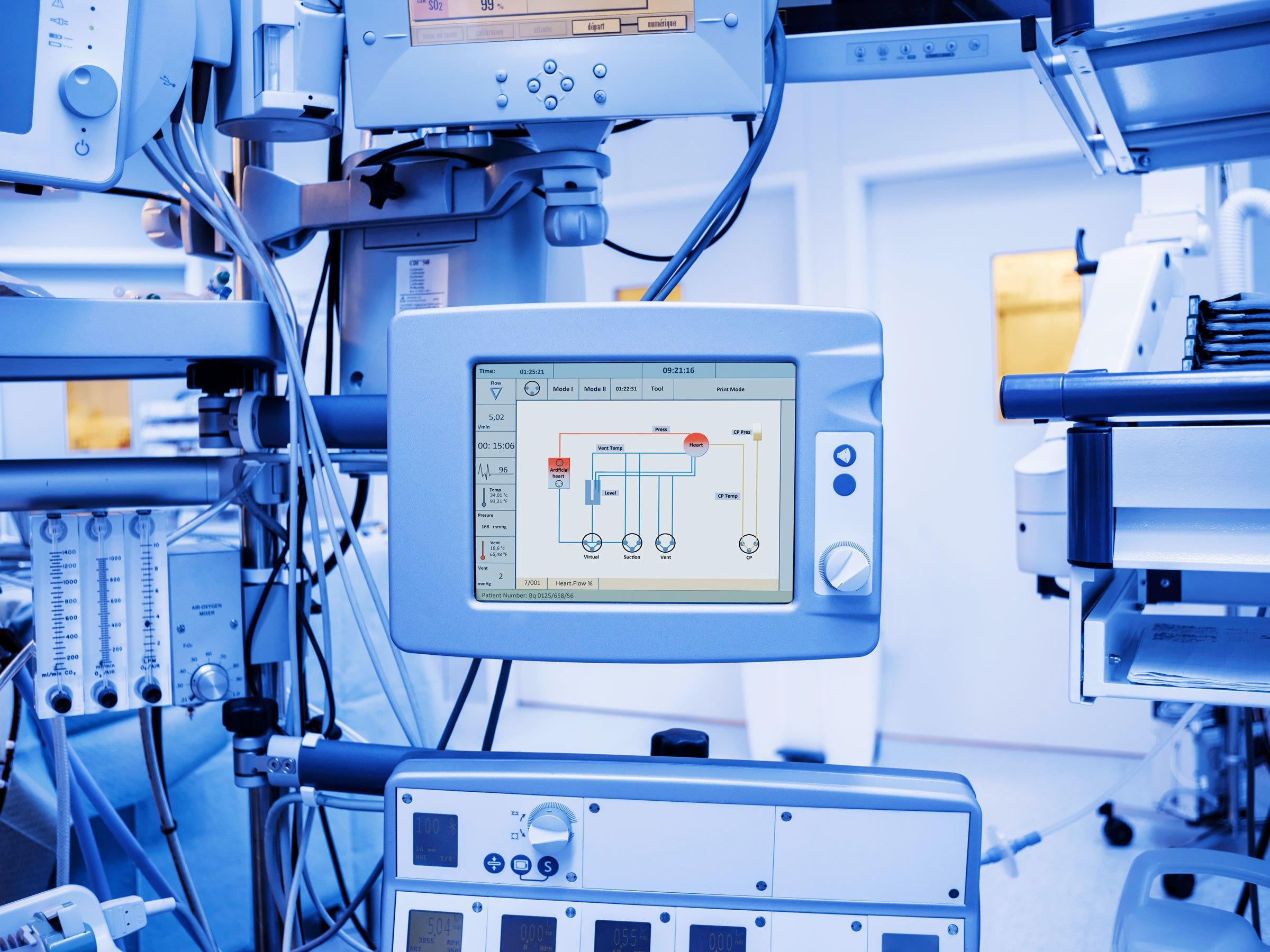 Что делает производитель медицинского оборудования?