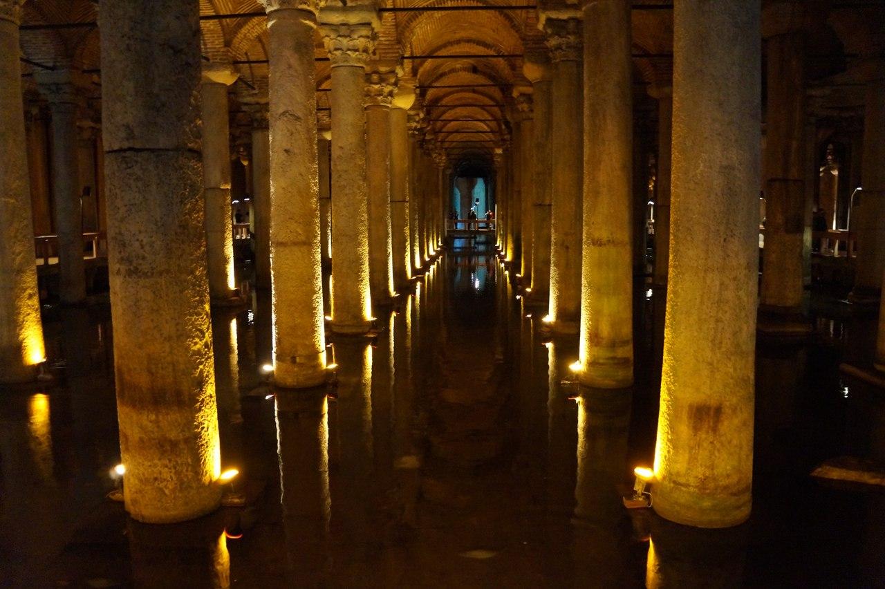 Цистерна Базилика - подземный дворец в Стамбуле