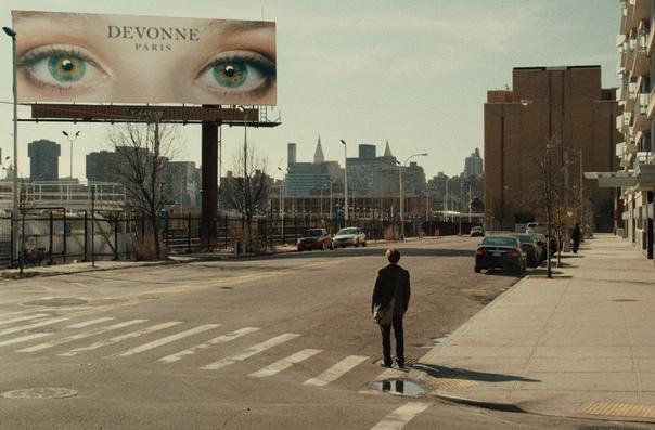 я прихожу в магазин в 11.11. смотрю на дату – 11 ноября. смотрю на время – 11.11. я повсюду начал видеть число 11. последовав за ним, я нашёл эти глаза. «я —