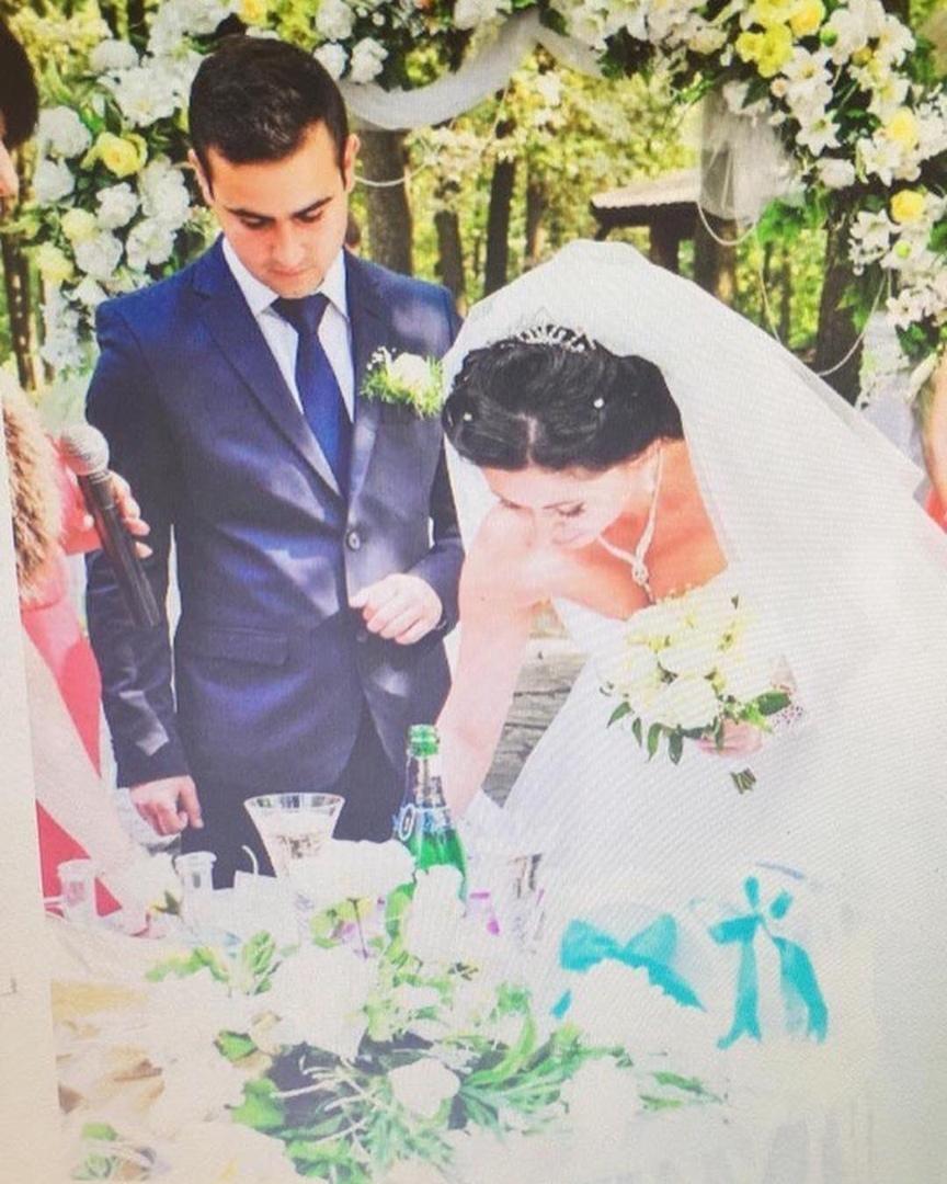 Новый участник оказался женатым