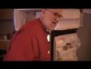 ЗЛОЙ ДЕД громит кухню из за того что его КОНФЕТЫ пропали