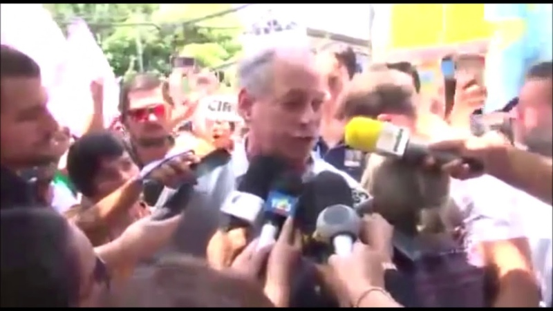 Ciro Gomes agride reporter