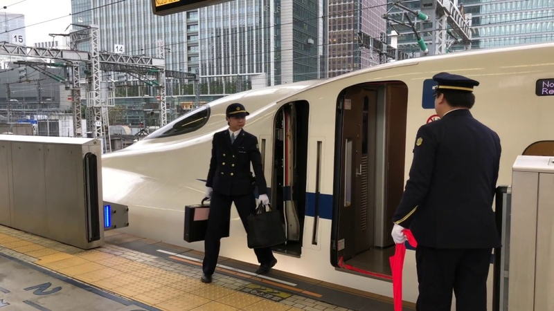 Change of Drivers on Shinkansen