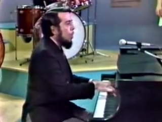 Sergio Mendes Brasil 66 _ Mas que nada (introduced by Eartha Kitt Something Special 1967)