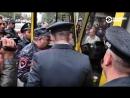 водитель отказался везти задержанных