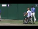 Теннисист-колясочник упал в парном матче, но поднялся и героически затащил розыгрыш