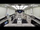 Этот лимузин укомплектован мини-баром и телевизором с большим экраном