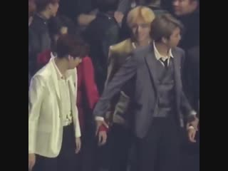 hoseok if you donf get bACK there and hold joons hand:((
