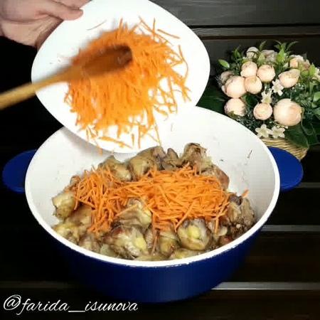 Обед • Спагетти с курицей и овощами в соево-медовом соусе