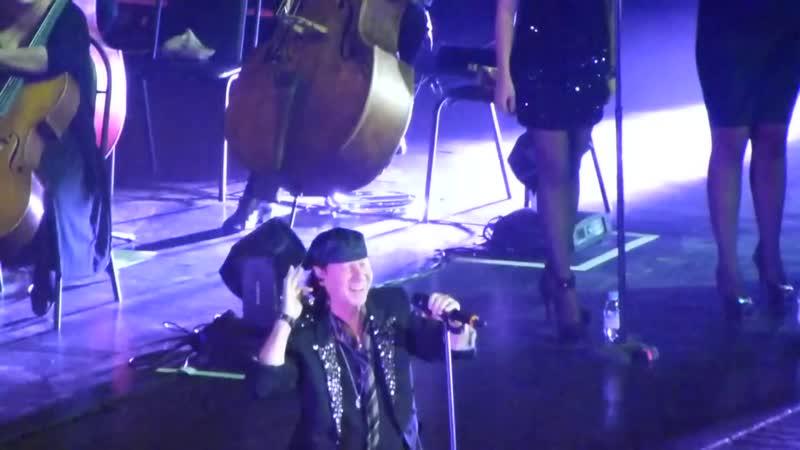 22.10.2013 Крокус Сити Холл. Scorpions (Часть1)