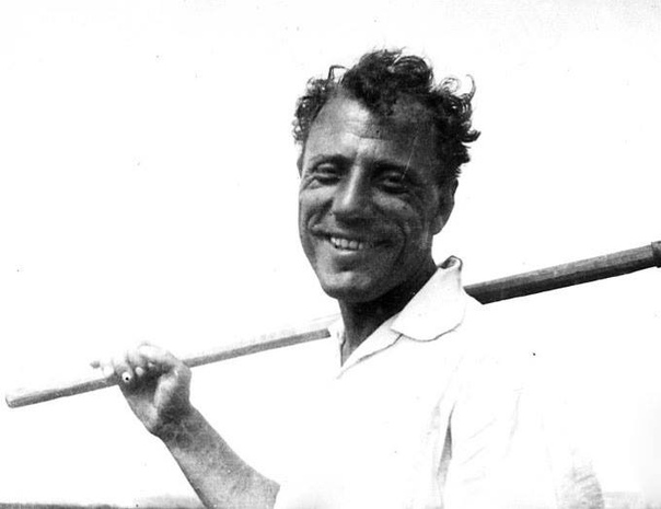 Георгий Аргиропуло более 30 лет проработал фотографом в экспедициях в Институте этнографии и антропологии РАН. Это время он называл самым интересным в своей жизни.
