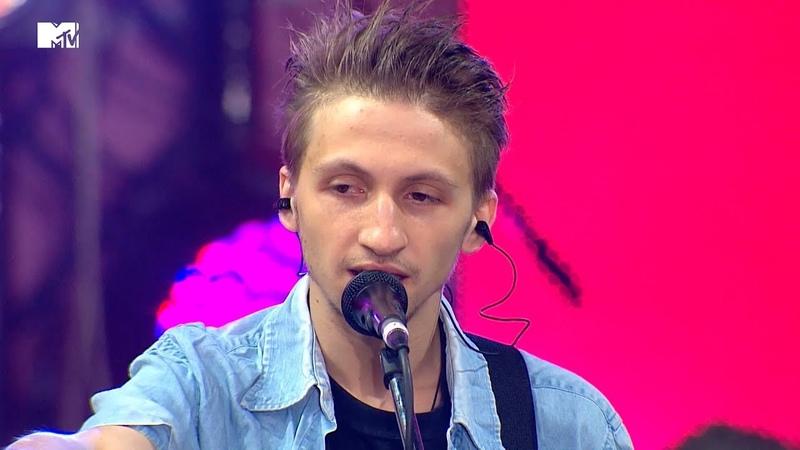 НЕРВЫ – Батареи (MTV ЖИВЬЁМ, 2014)