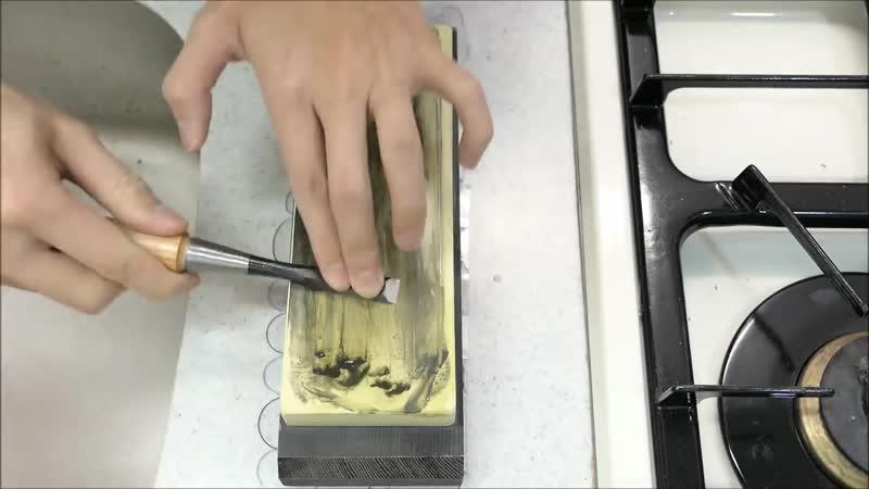 Пищу можно разрезать. Шоколадный кухонный нож