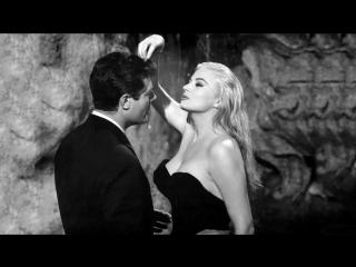 La Dolce Vita - Anita Ekberg et Marcello Mastroianni La fontaine de Trevi (Rome)
