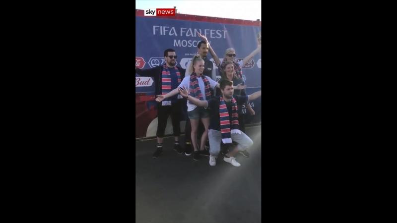 Златан повеселился с болельщиками Исландии