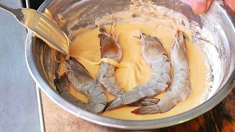 Cambodian Street Food GIANT EGG BATTERED PRAWNS Phnom Penh Cambodia