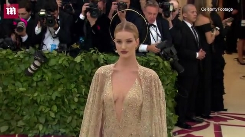 Rosie Huntington Whiteley wore a lace gown covered in 300K crystals Daily Mail Online