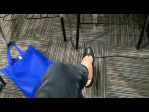 Dangling Shoeplay Loose Black Flats