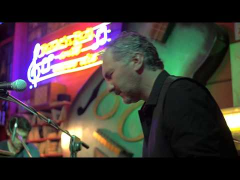 Jimi Barbiani - Moon Blues - Feat. Taucher Mansutti Live at Rock Club 60