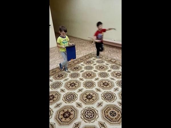 Детский центр робототехники Умник - роботы спешат по своим делам